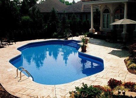 Izbor između skimmera i preljevnog bazena